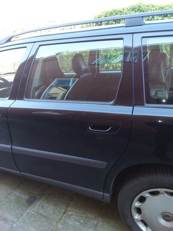 Afbeelding 18 van Volvo V70 2.4 D5