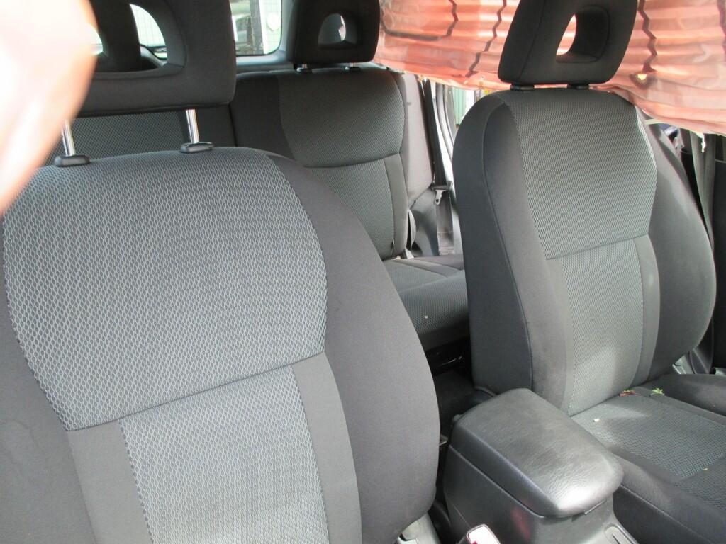 Afbeelding 11 van Toyota RAV4 2.0-16V VVT-i Sol