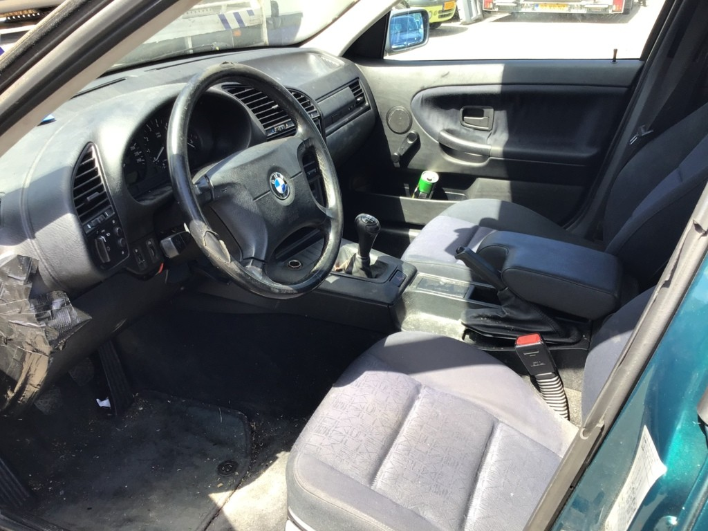Afbeelding 7 van BMW 3-serie 316i Edition