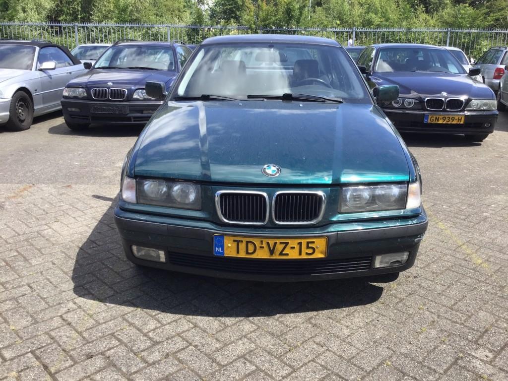 Afbeelding 2 van BMW 3-serie 316i Edition