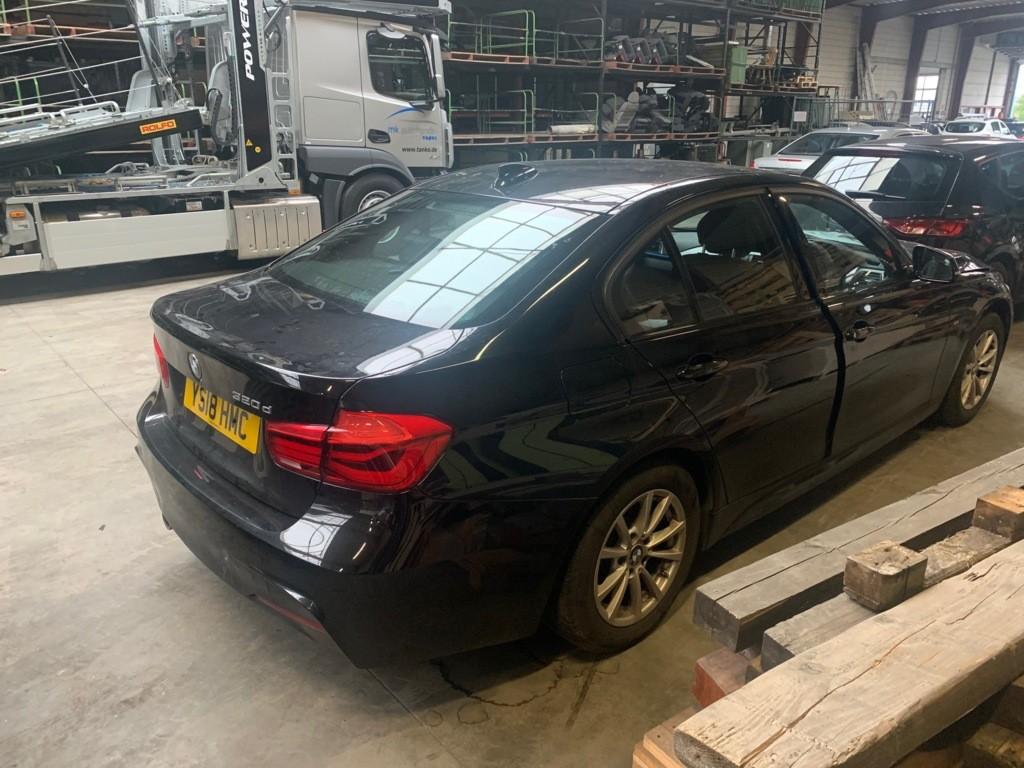 Afbeelding 4 van BMW 3-serie 320d Edition M Sport Shadow High Executive