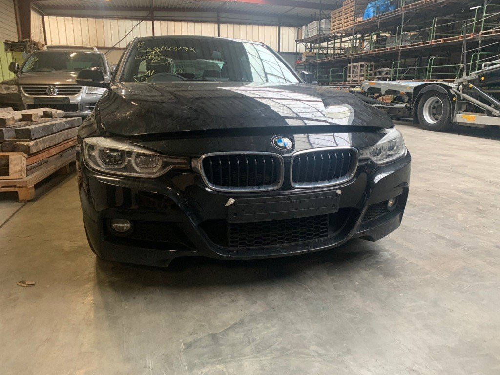 Afbeelding 2 van BMW 3-serie 320d Edition M Sport Shadow High Executive