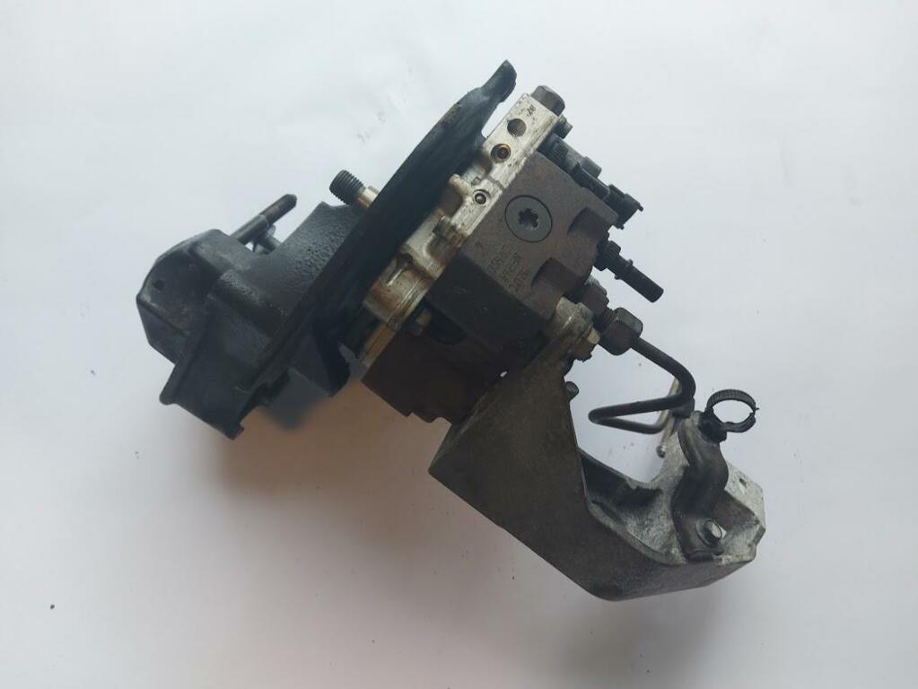 Afbeelding 1 van Brandstofpomp mechanisch Volvo S40 V40 I 1.9 D8200108225