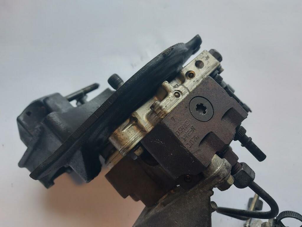 Afbeelding 3 van Brandstofpomp mechanisch Volvo S40 V40 I 1.9 D8200108225
