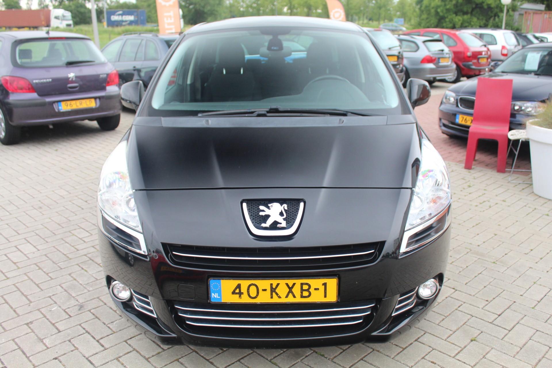 Caroutlet Groningen - Peugeot 5008 1.6 THP ST 7p.   CLIMA   TREKHAAK   CRUISE