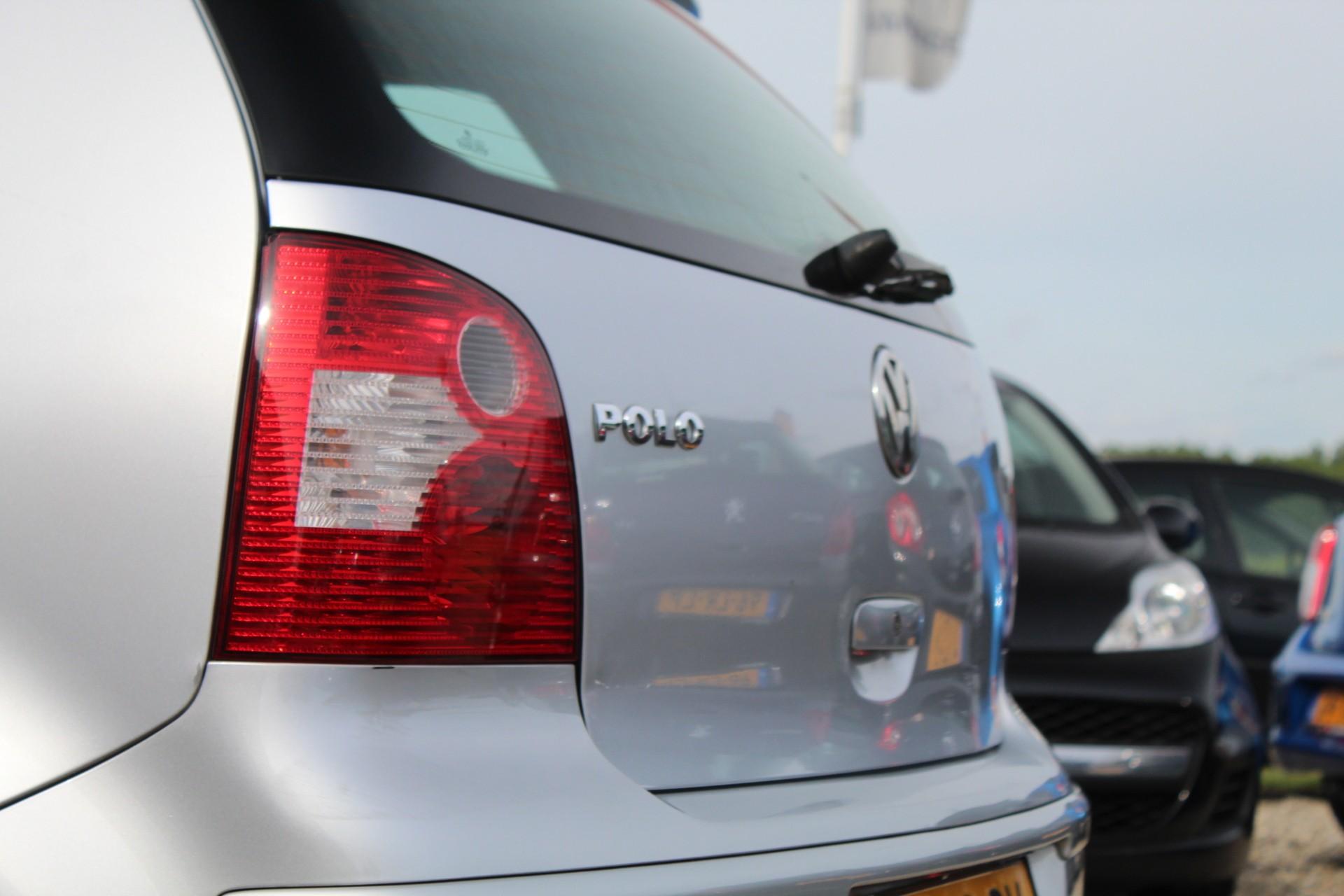 Caroutlet Groningen - Volkswagen Polo 1.2-12V | 2002 | APK 12-2019 | STUURBEKR |