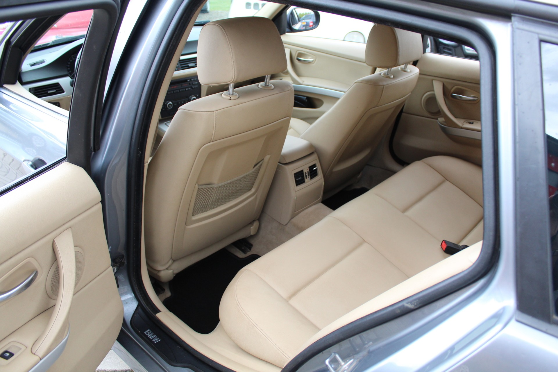 Caroutlet Groningen - BMW 318d Touring High Executive   2010   LEER   CRUISE   CLIMA