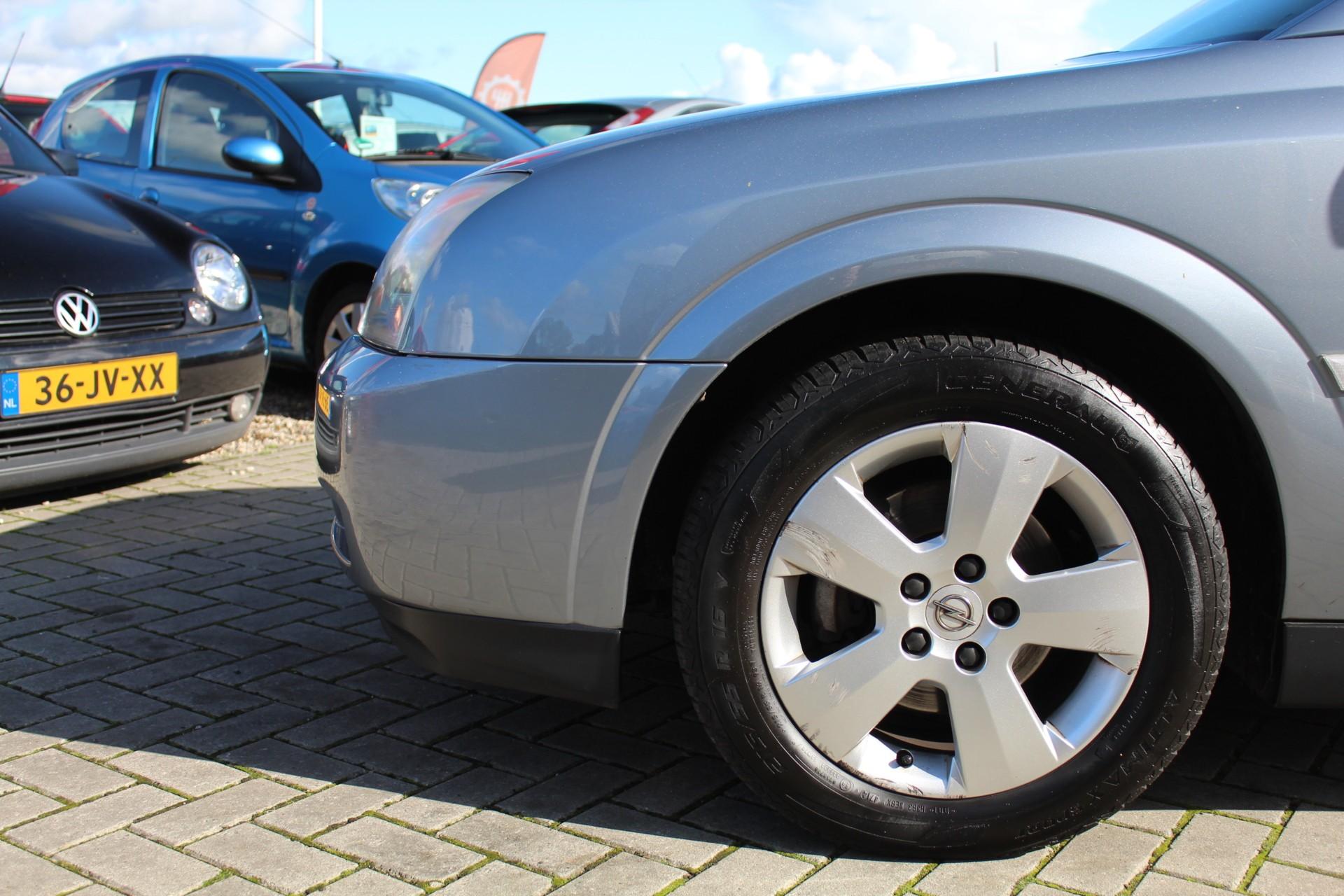 Caroutlet Groningen - Opel Vectra 1.8-16V Comfort   NW APK   AIRCO   TREKHK