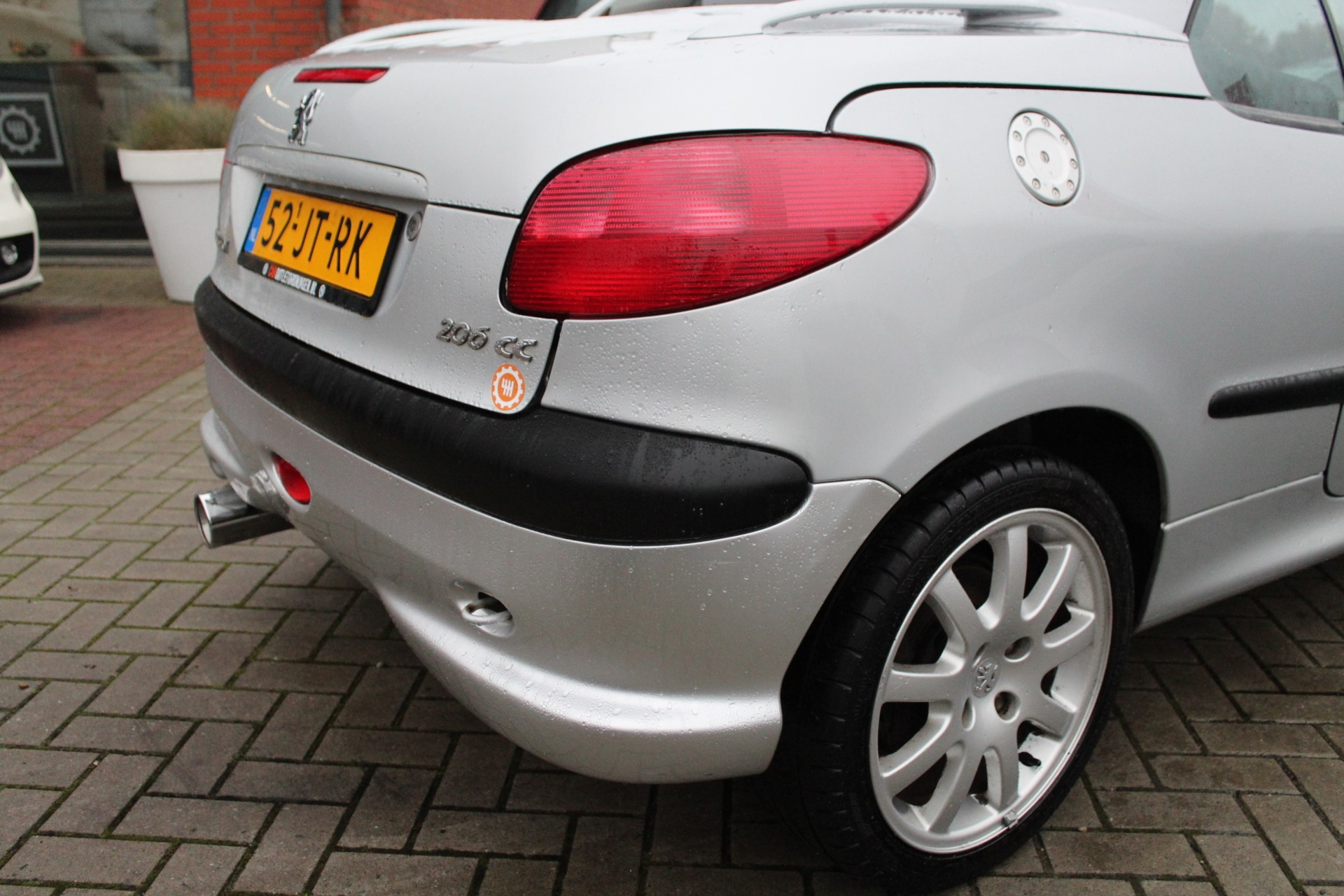 Caroutlet Groningen - Peugeot 206 CC 2.0-16V | LEER | CLIMA | MOOIE STAAT |