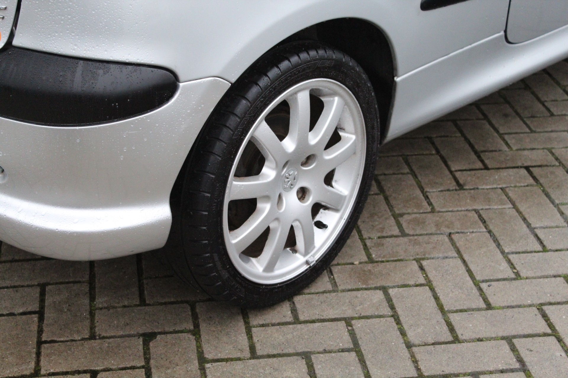 Caroutlet Groningen - Peugeot 206 CC 2.0-16V   LEER   CLIMA   MOOIE STAAT  