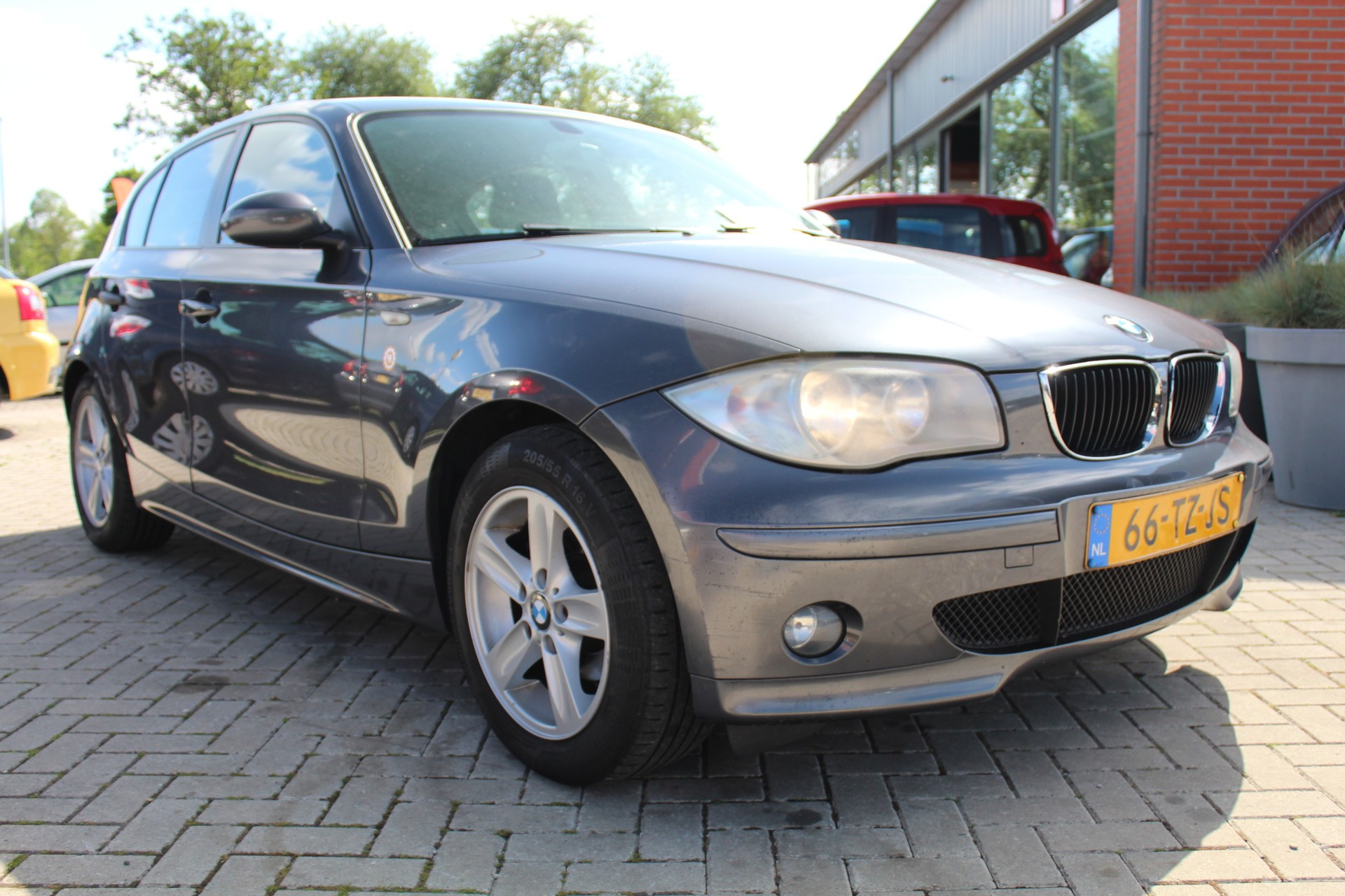 Caroutlet Groningen - BMW 1-serie 118i Business Line   AIRCO   NW KETTING   INRUILKOOPJE