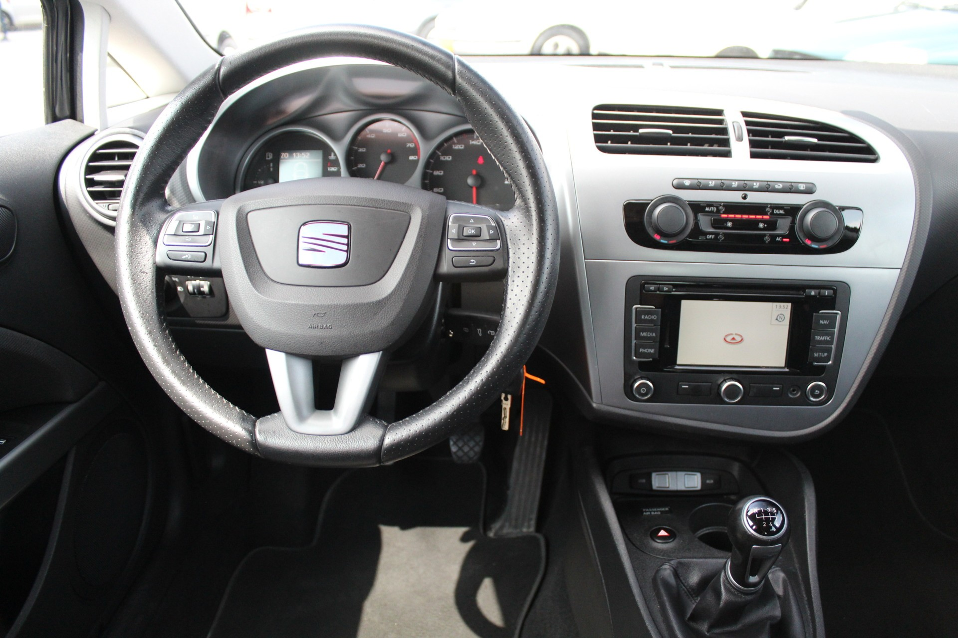 Caroutlet Groningen - Seat Leon 1.2 TSI Ecomotive Businessline COPA | NAVI| CLIMA | CRUISE