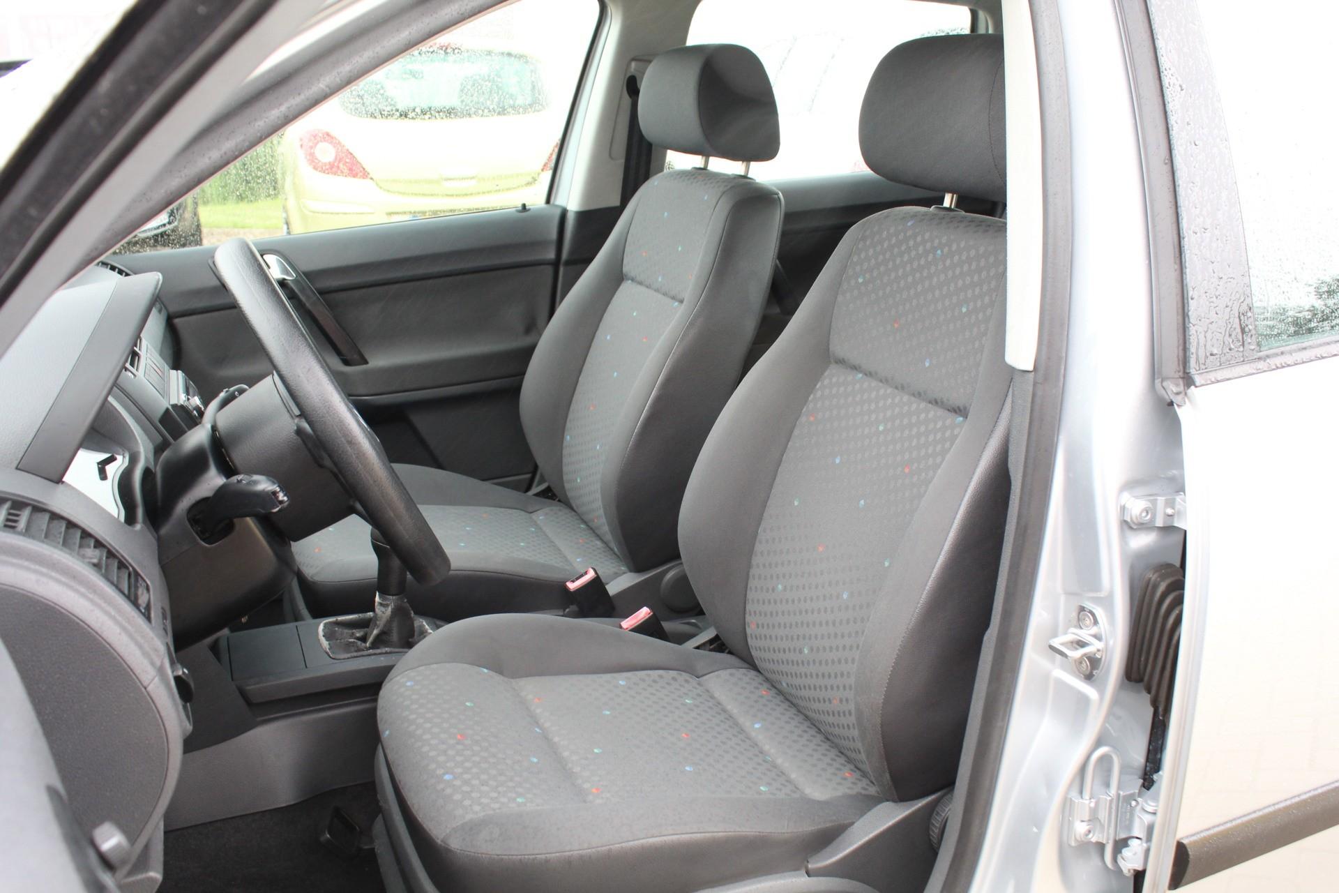 Caroutlet Groningen - Volkswagen Polo 1.4-16V Comfortline   5 DEUREN   CRUISE CONTROL 
