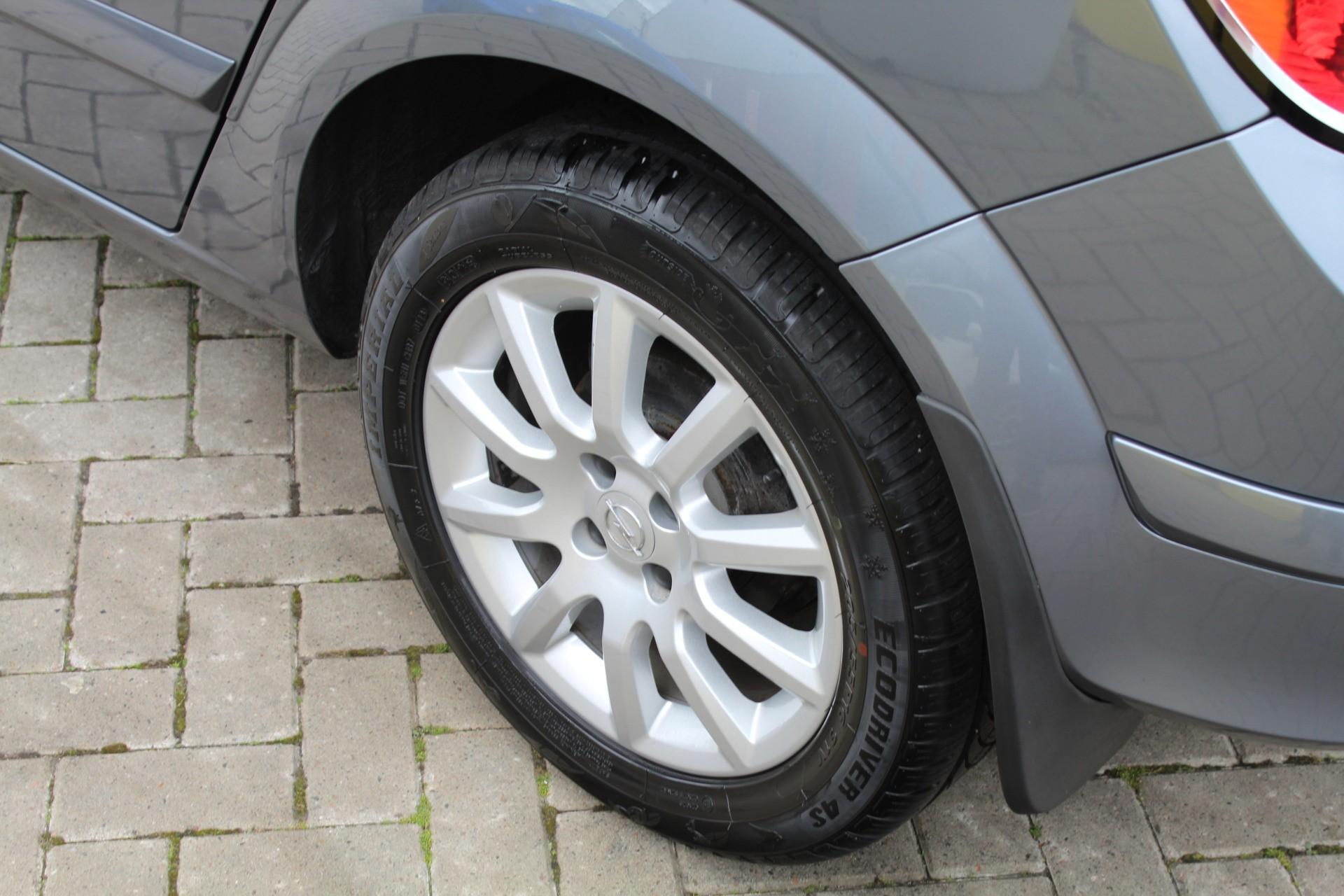 Caroutlet Groningen - Opel Astra 1.4 Enjoy | AIRCO | TREKHAAK | LICHTMETALEN VELGEN |