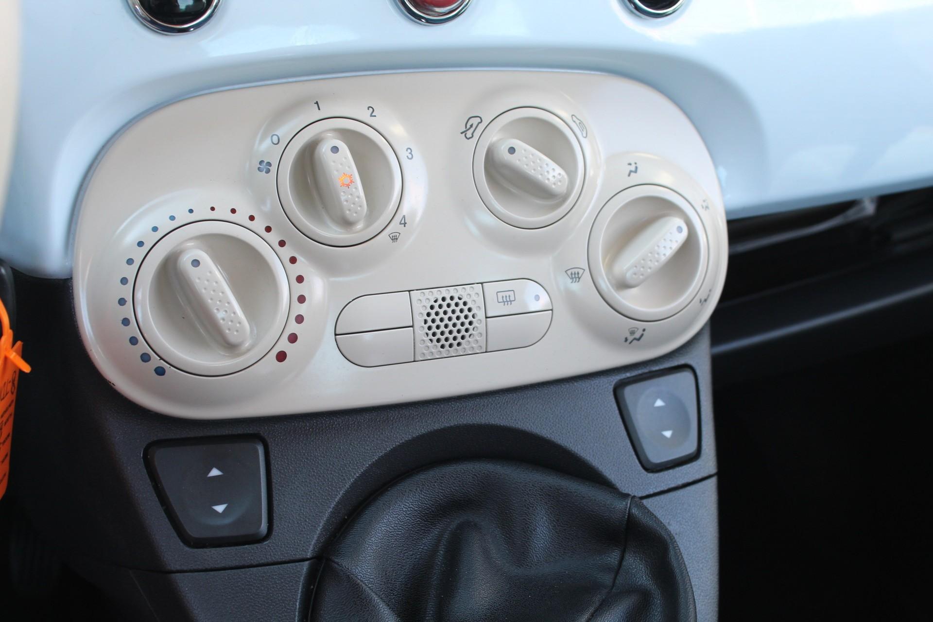 Caroutlet Groningen - Fiat 500 1.2 Lounge   AIRCO   VELGEN   UNIEKE KLEUR  