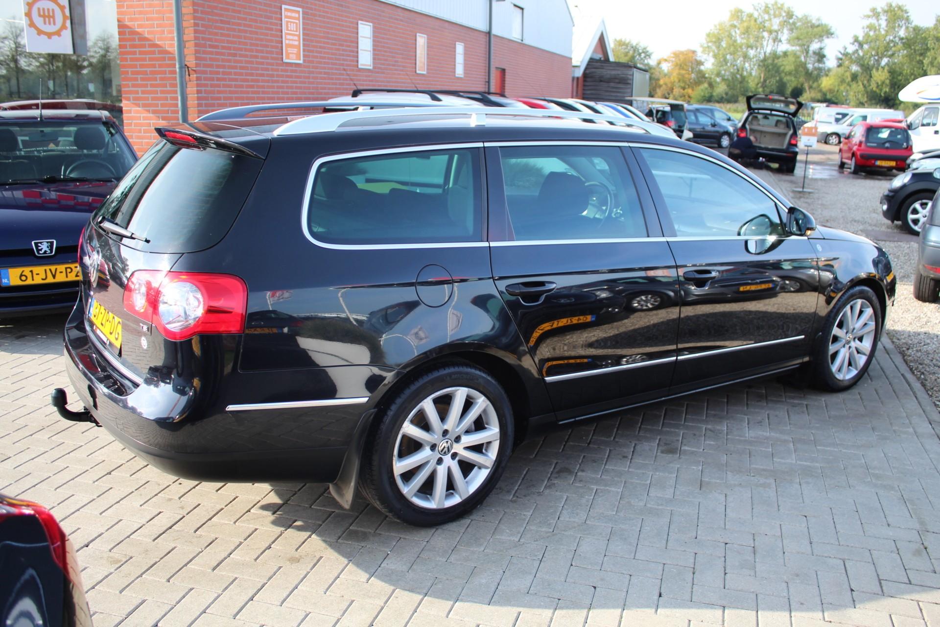 Caroutlet Groningen - Volkswagen Passat Variant 1.8 TFSI Highline | FULL MAP NAVI | SCHUIFDAK | TREKHAAK