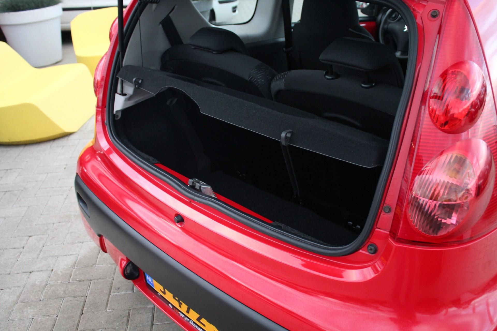 Caroutlet Groningen - Peugeot 107 1.0-12V XS    2011   AIRCO   ELEK PAKKET   RIJKLAAR