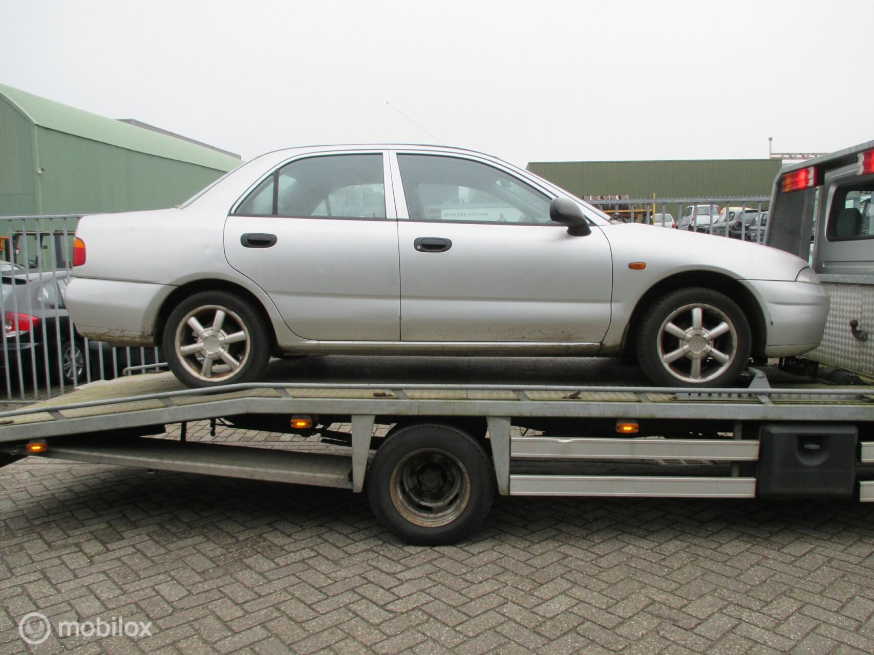 Onderdelen Mitsubishi Carisma 1.6 GL 1998 Sedan