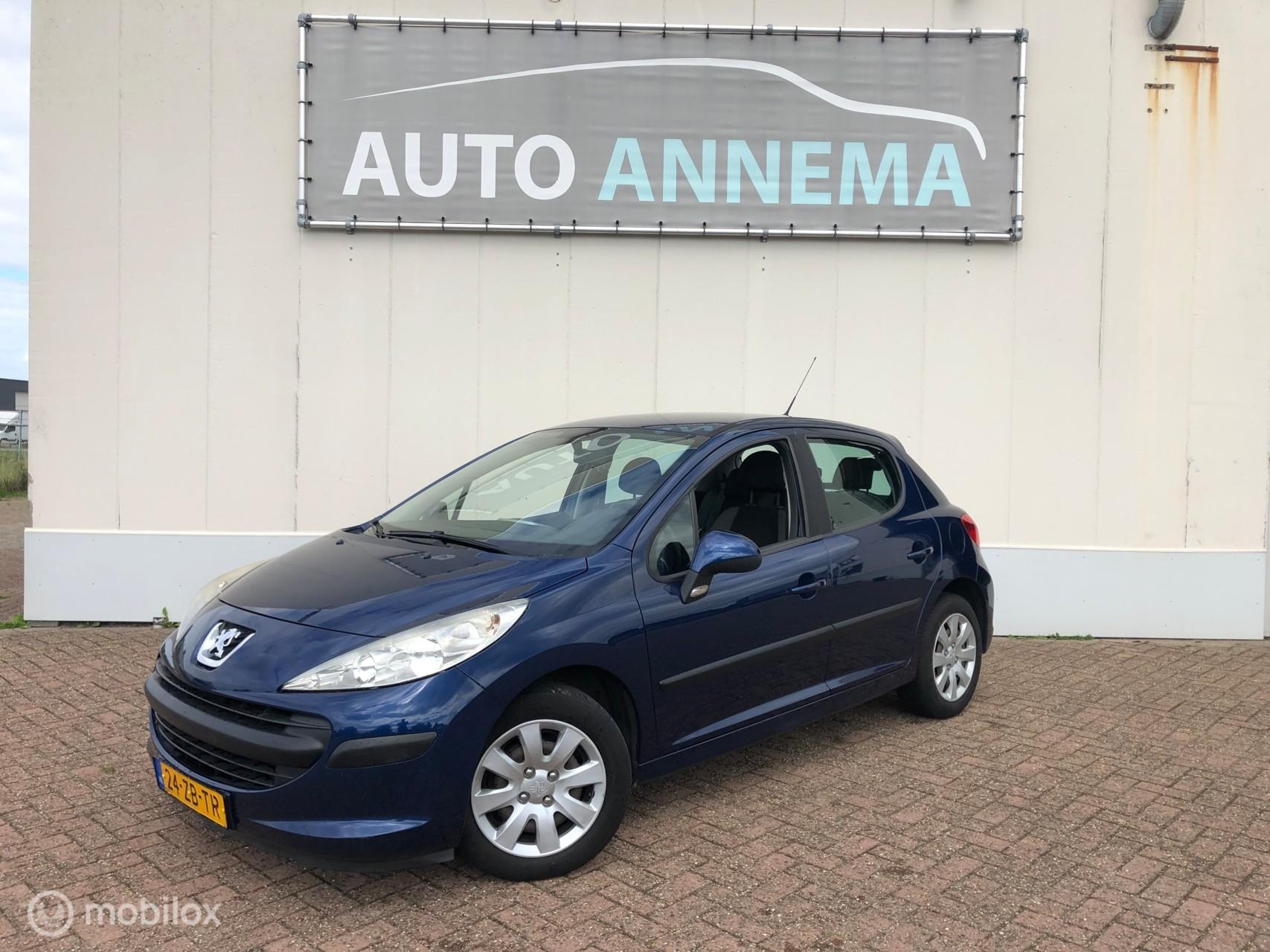 Peugeot 207 1.4 Cool 'n Blue  met airco en een nieuwe APK