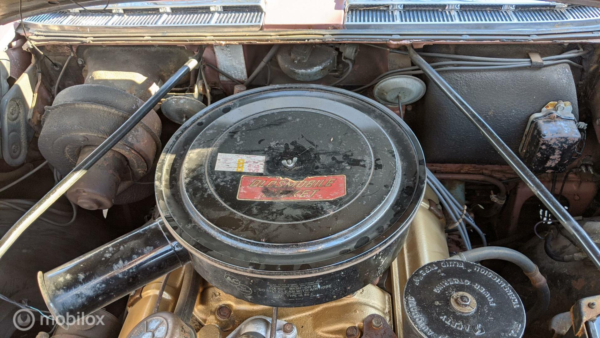 Oldsmobile 98 Sedan Hardtop Holiday