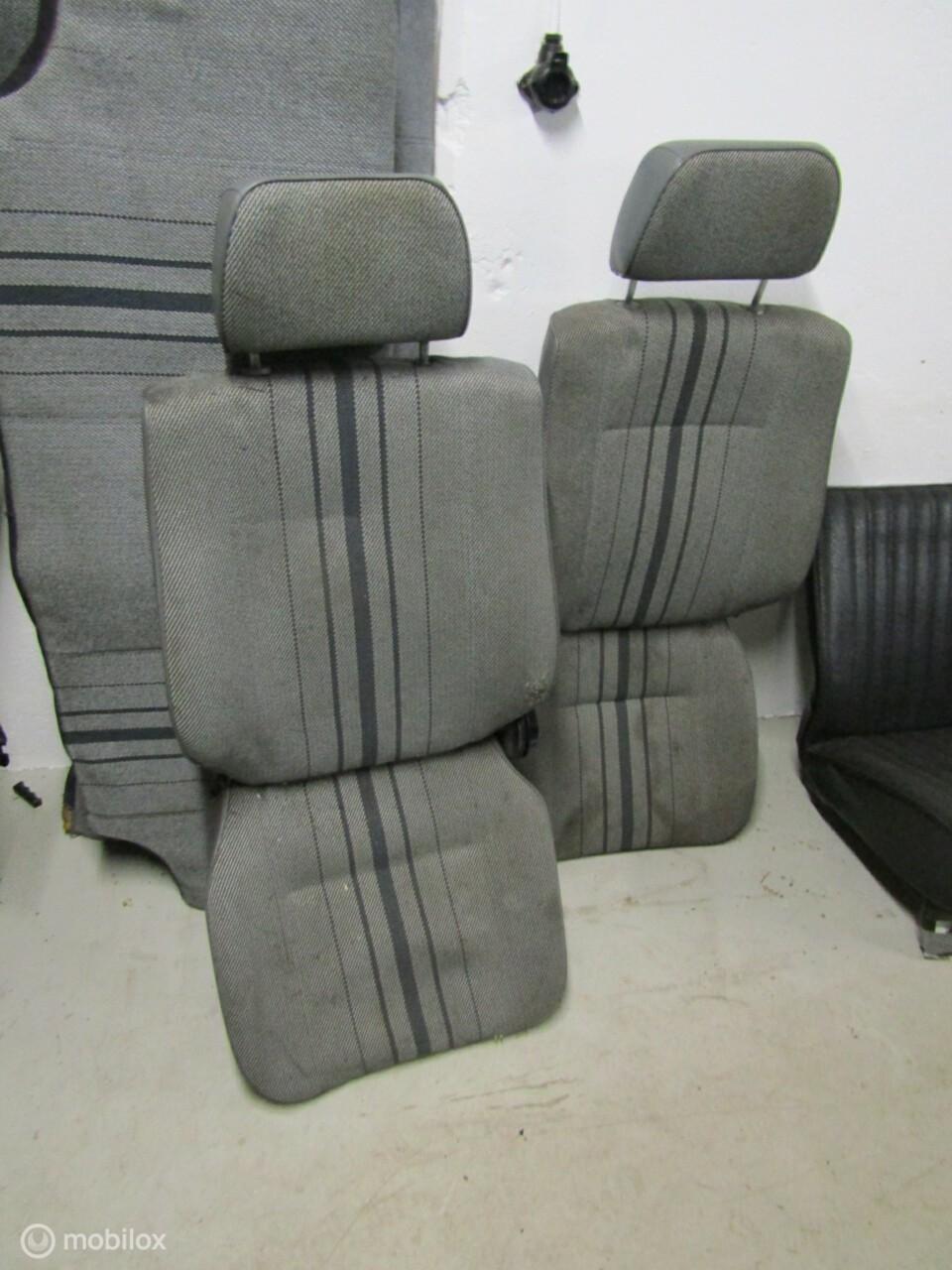 Opel Manta B Interieur  2x stoel + bank en panelen '75-'90