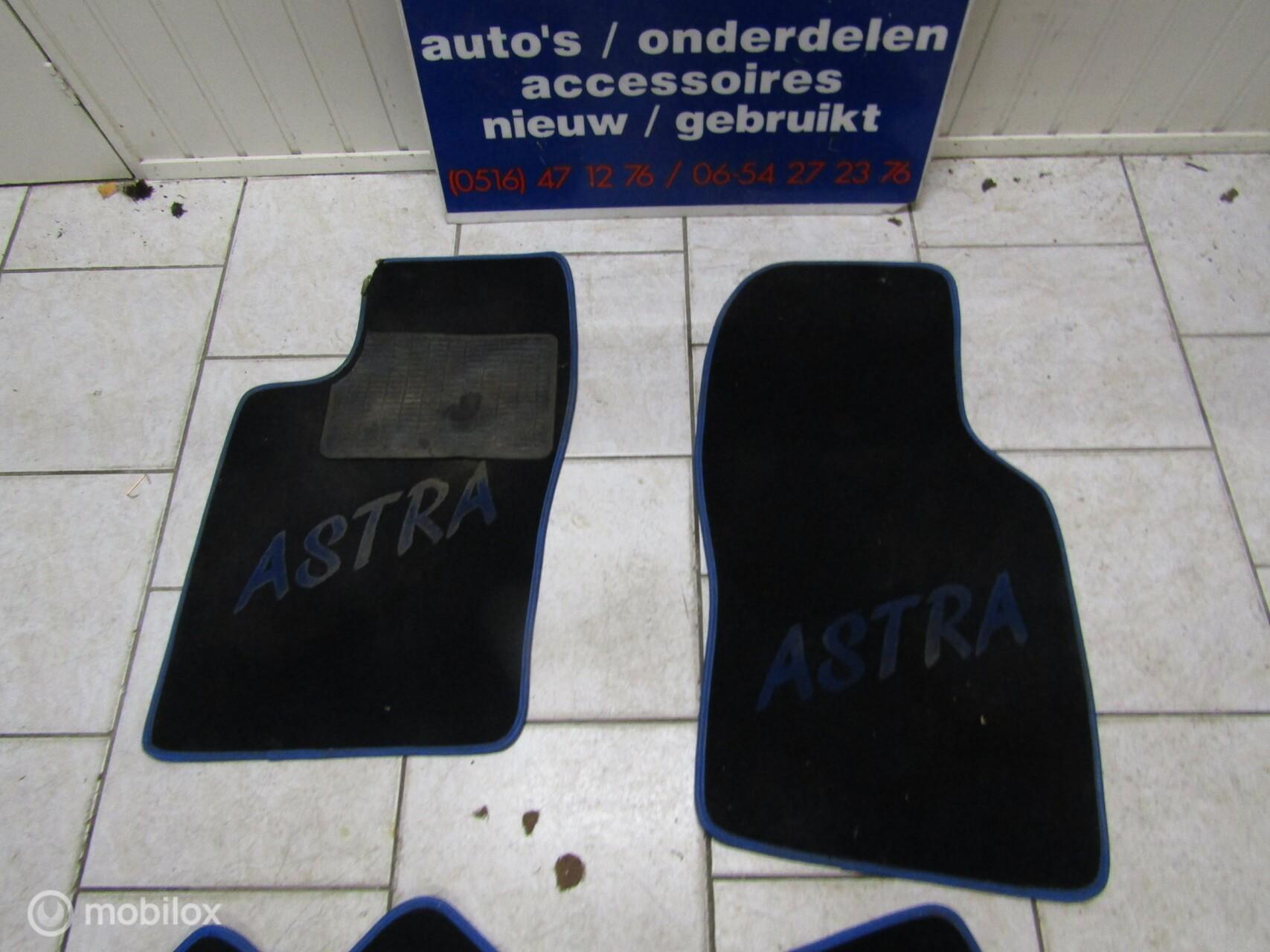set vloermatten Opel Astra F + opdruk, bj '91 t/m '97