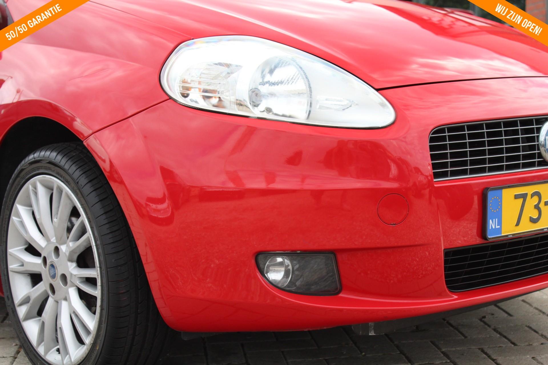 "Caroutlet Groningen - Fiat Grande Punto 1.4-16V   SPORT   AIRCO   17"" LMV"