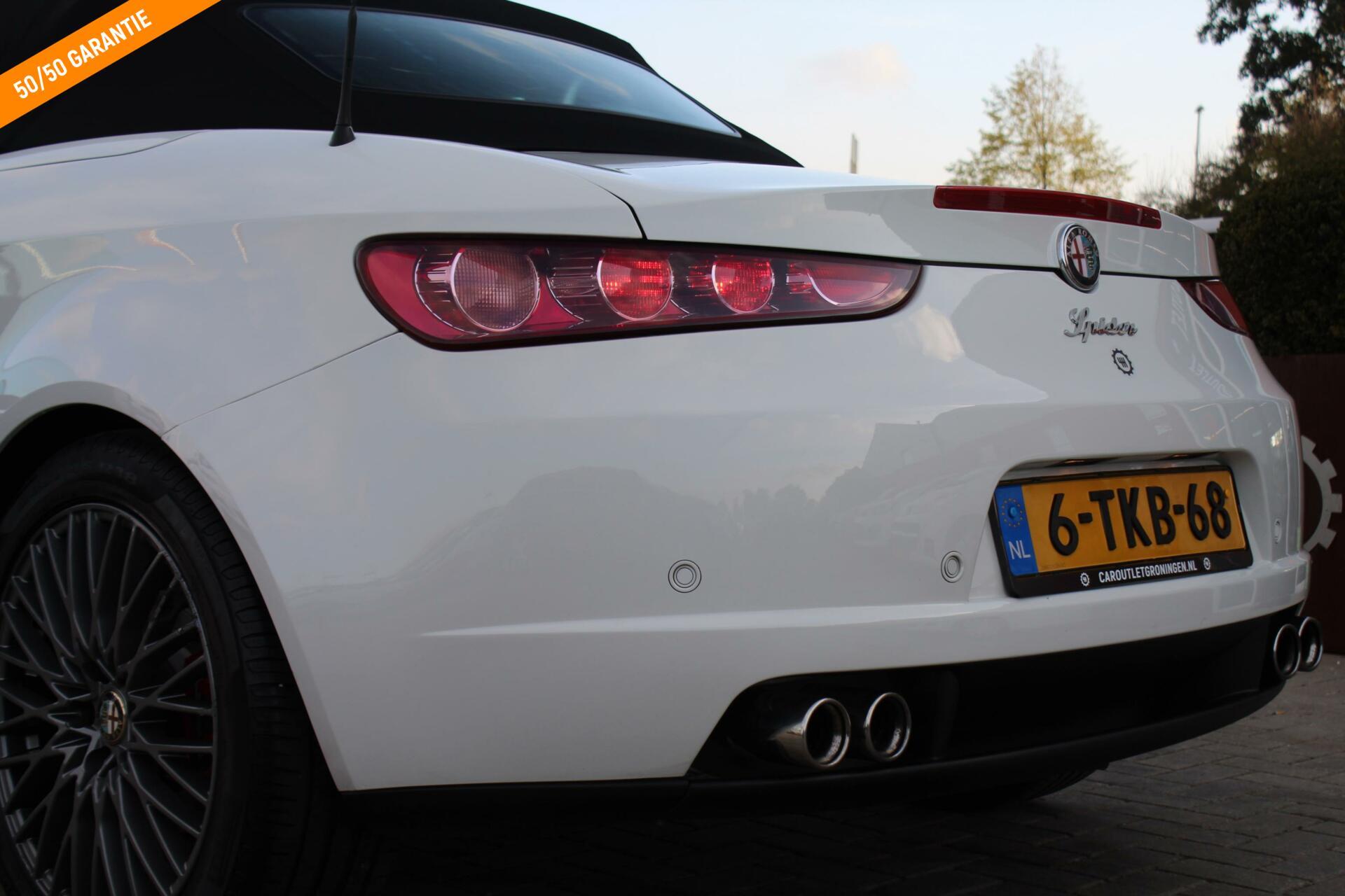 Caroutlet Groningen - Alfa Romeo Spider 1.7 T Sport   1750 TBI   LEDER   NAVI