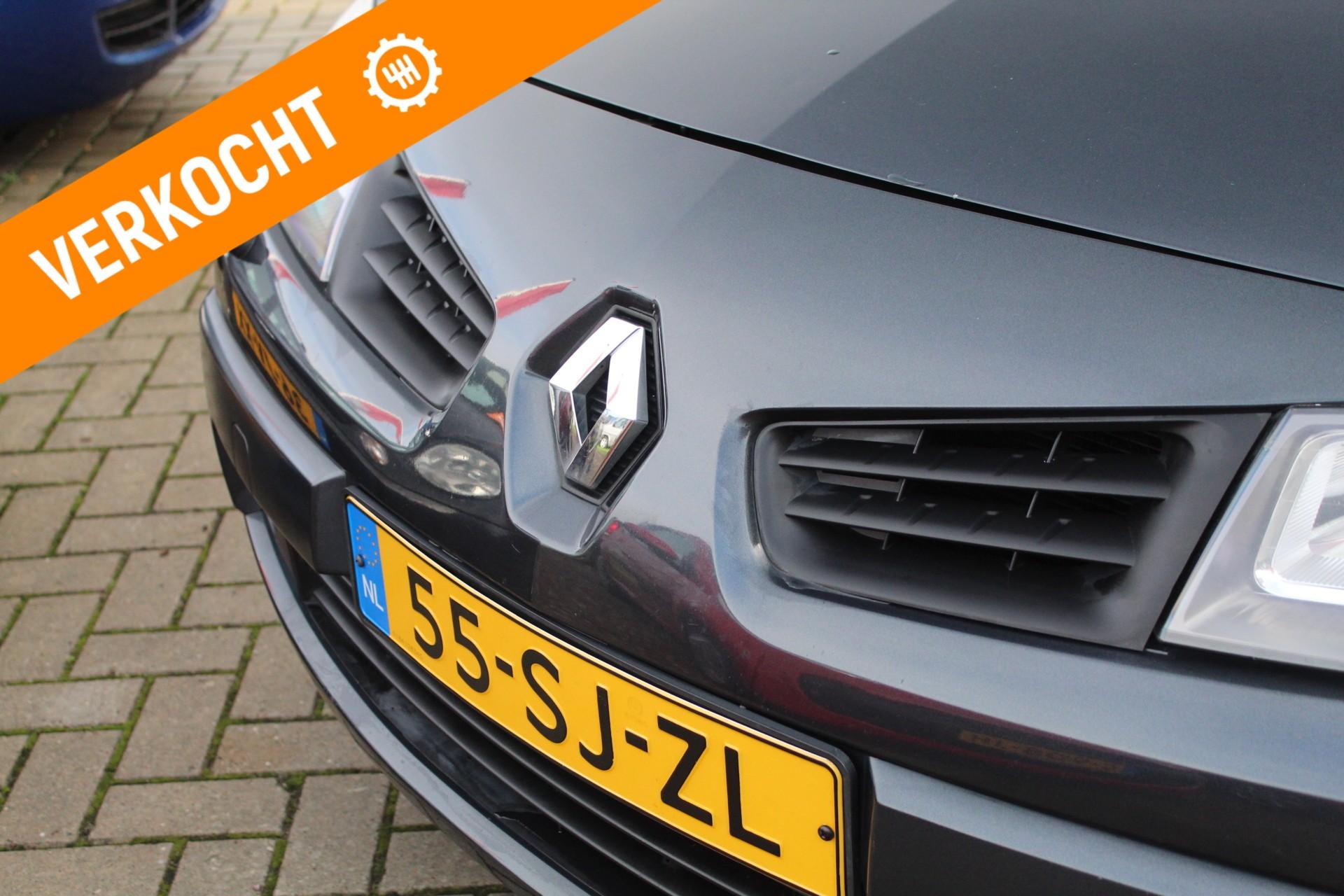 Caroutlet Groningen - Renault Megane Grand Tour 2.0-16V Business Line   AIRCO   NW APK