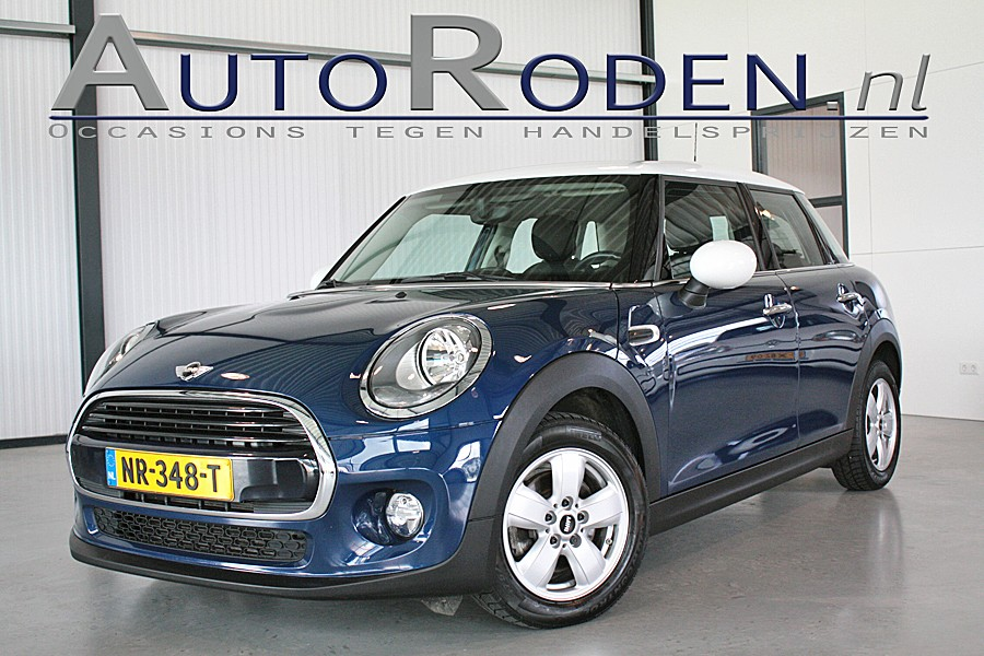 Mini 1.5 TwinTurbo 136pk Cooper Business?>
