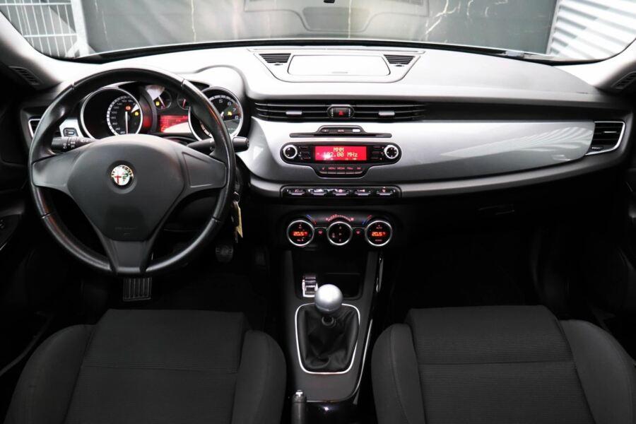 Alfa Romeo Giulietta 1.4 T Distinctive   Xenon   Climate   ALL IN Prijs!