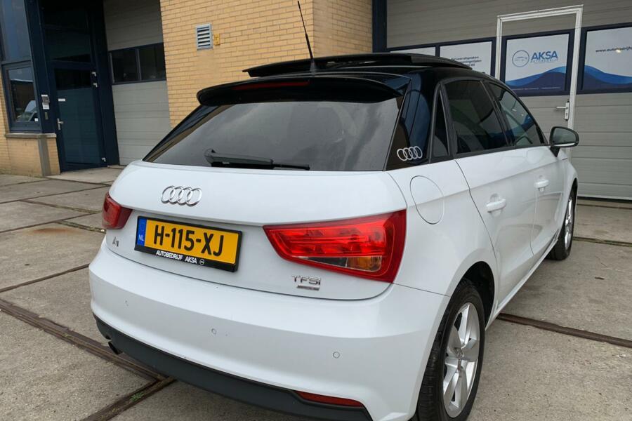 Audi A1 Sportback 1.0 TFSI | Panoramadak | S-Tronic | S-Line