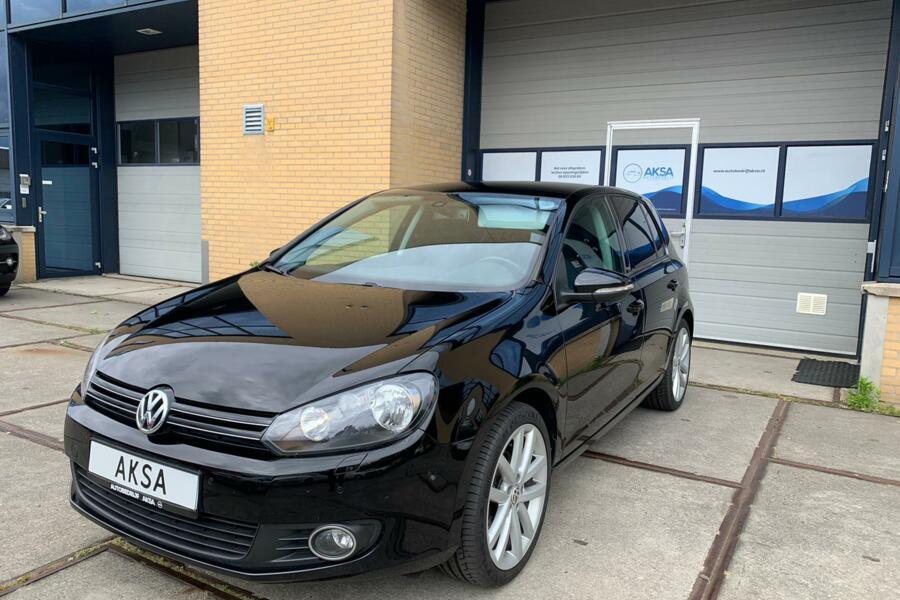 Volkswagen Golf 6 1.2 TSI 105 pk DSG   18 inch   Inparkeren