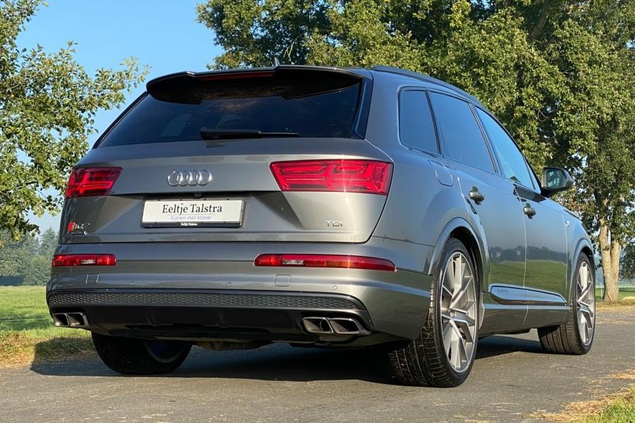 Audi SQ7 TDI 435 pk, keramisch, ruitstiksel, grijs kenteken