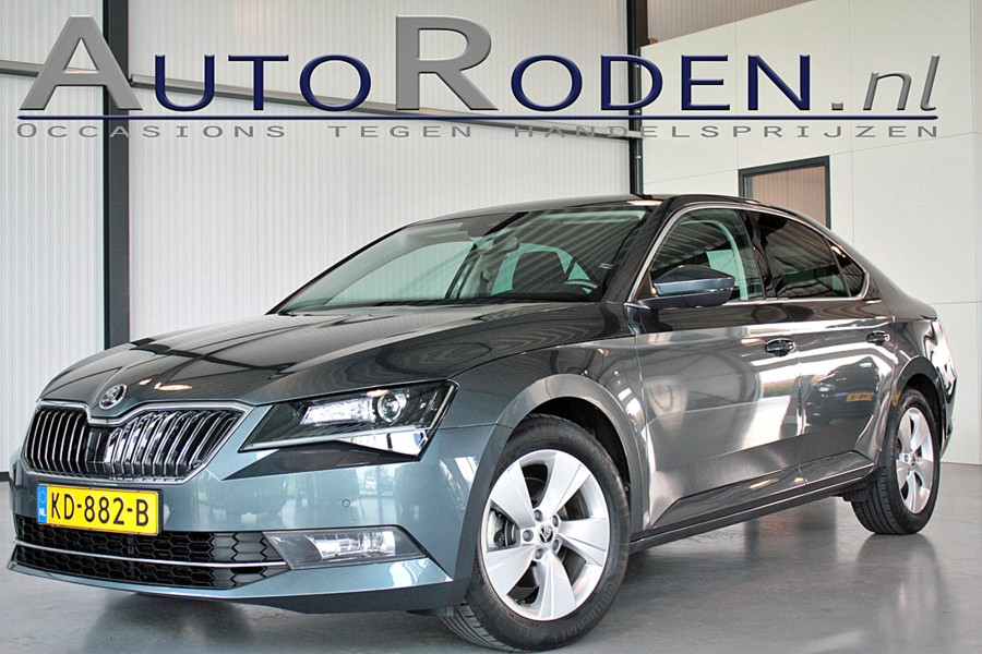 Skoda Superb 1.6 TDI DSG Ambition Business Xenon/ACC/Camera