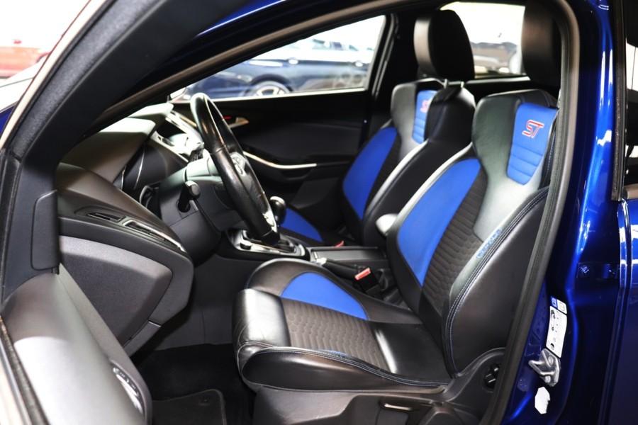Ford Focus 2.0 ST-2 250PK | Climate | Recaro | Xenon | ZONDAGS OPEN!