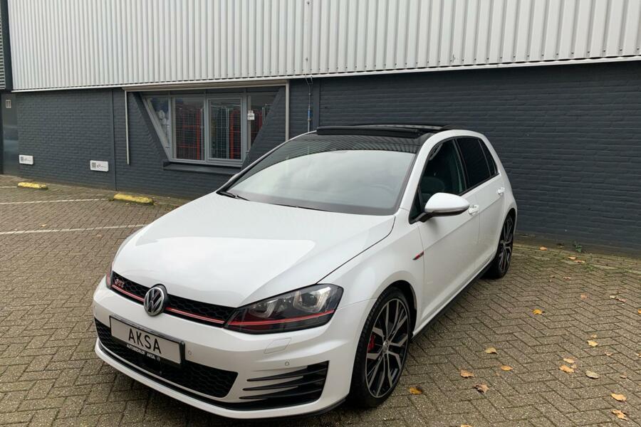 Volkswagen Golf 2.0 TSI GTI Performance DSG   Pano   Leder