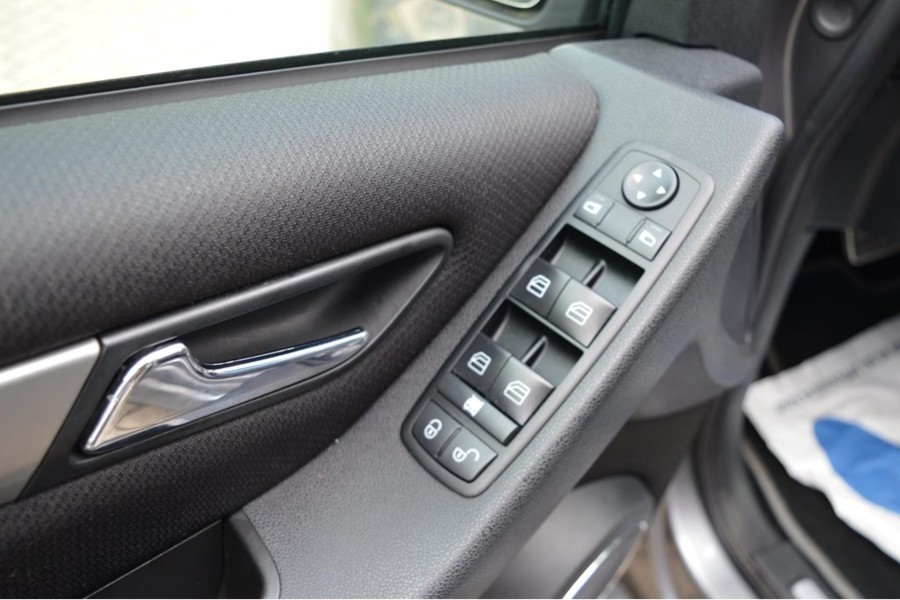 Mercedes-Benz B-klasse 200 TURBO AUTOMAAT LEDER Pano 139 DKM