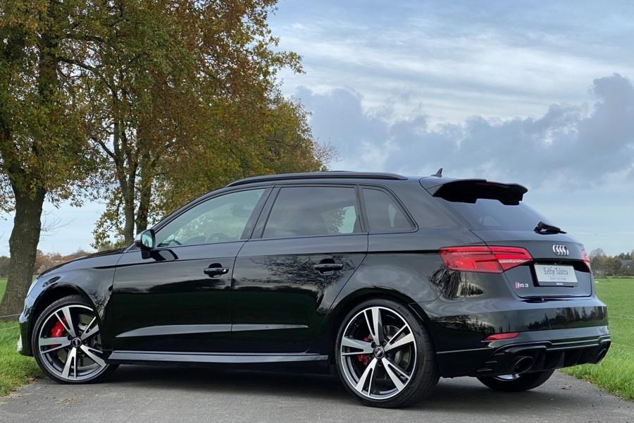 Audi RS3 2.5 TFSI quattro bijzonder compleet in topstaat!
