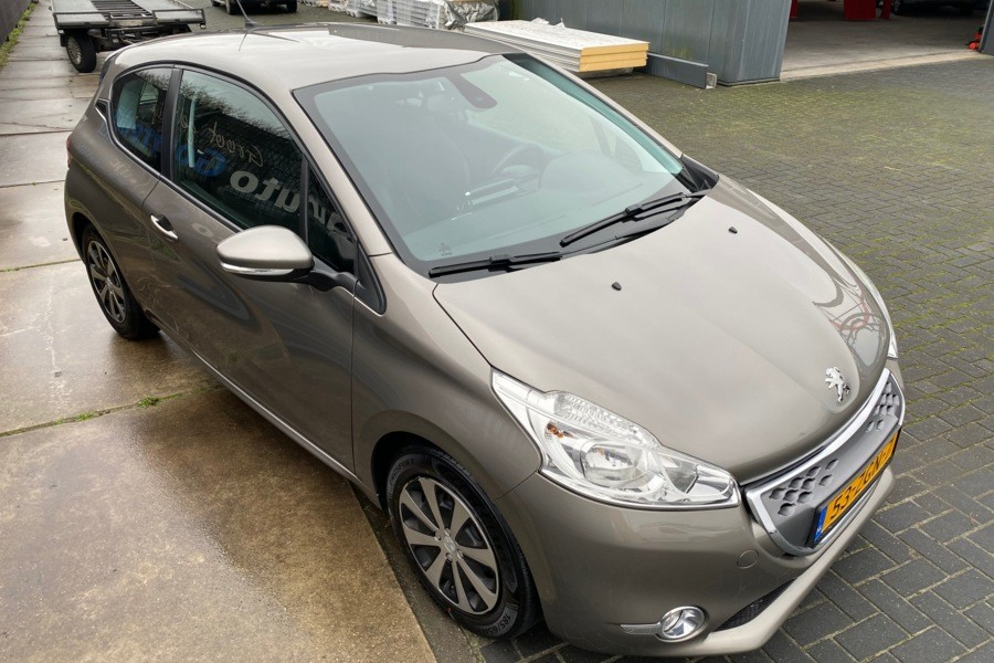 Peugeot 208 1.4 e-HDi Active automaat