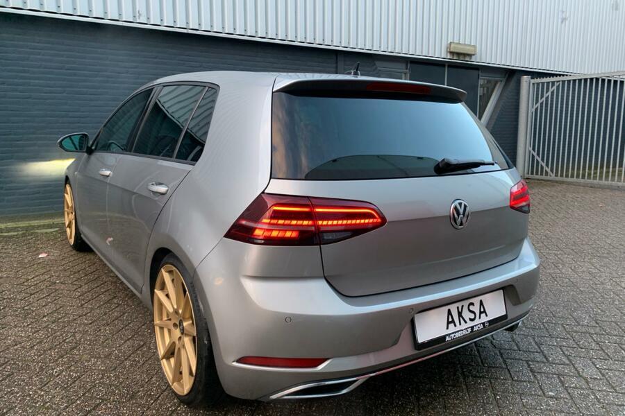 Volkswagen Golf 1.5 TSI 150pk Highline DSG Digitale Cockpit