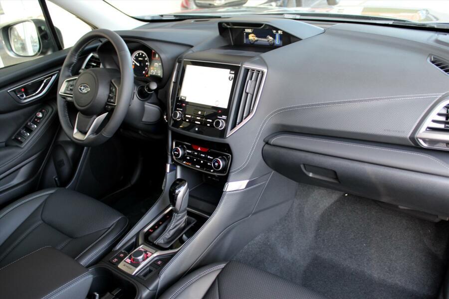 Subaru Forester 2.0 e-BOXER CVT First Edition EyeSight | € 3.700 Voordeel