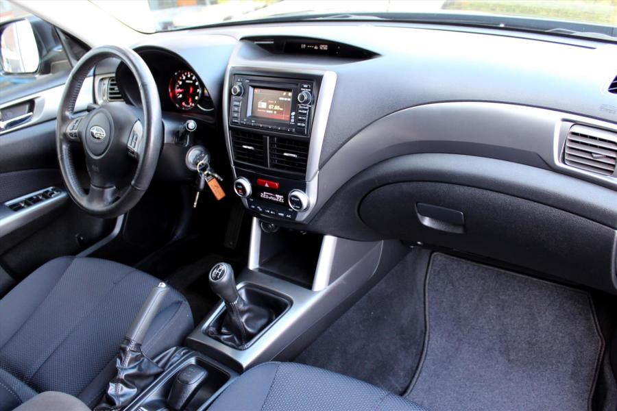 SUBARU Forester 2.0 AWD Luxury * Trekhaak * Xenon * Parkeersensoren * Lichtmetalen velgen