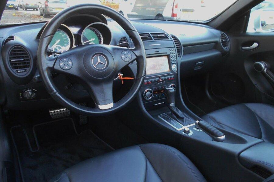 Mercedes SLK-klasse 350 V6 305PK AUT. AMG-PAKKET NAVIGATIE AIRSCARF AMG-UITLATEN ELEKTRISCHE-STOELEN PARKEERSE