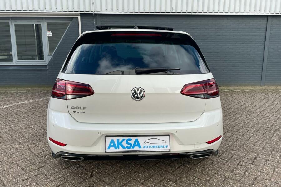 Volkswagen Golf 1.5 TSI 150pk R-Line | Pano | DSG | Camera