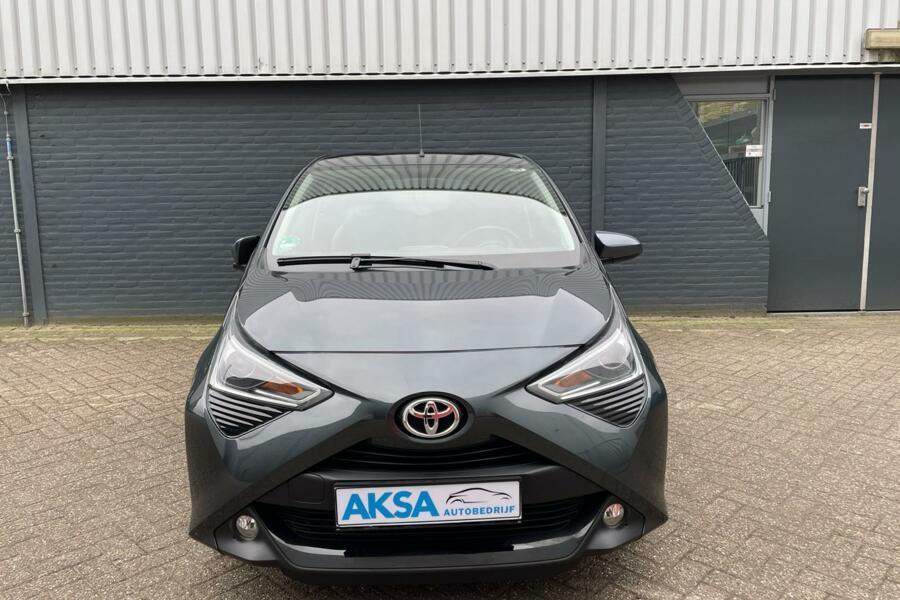 Toyota Aygo 1.0 VVT-i x | Camera | 15inc Sportvelg | CarPlay