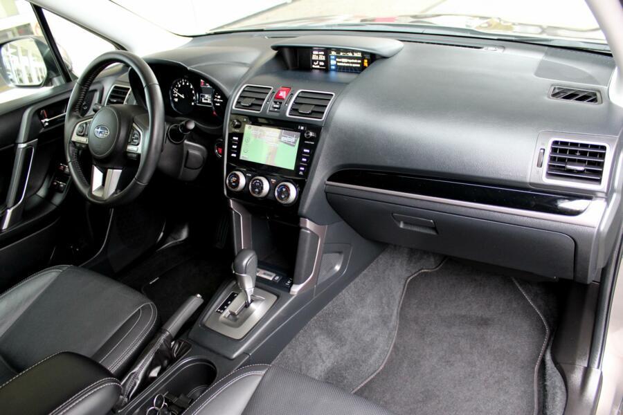 Subaru Forester 2.0 CVT Premium * Navigatie * Parkeersensoren * 18 inch