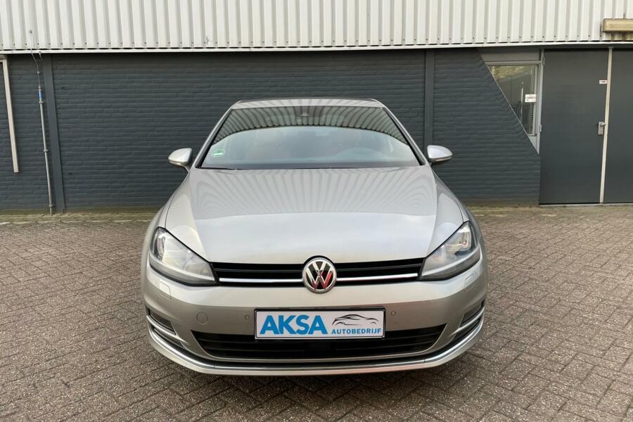 Volkswagen Golf 1.4 TSI ACT 150pk Edition   DSG   Bruin Leer