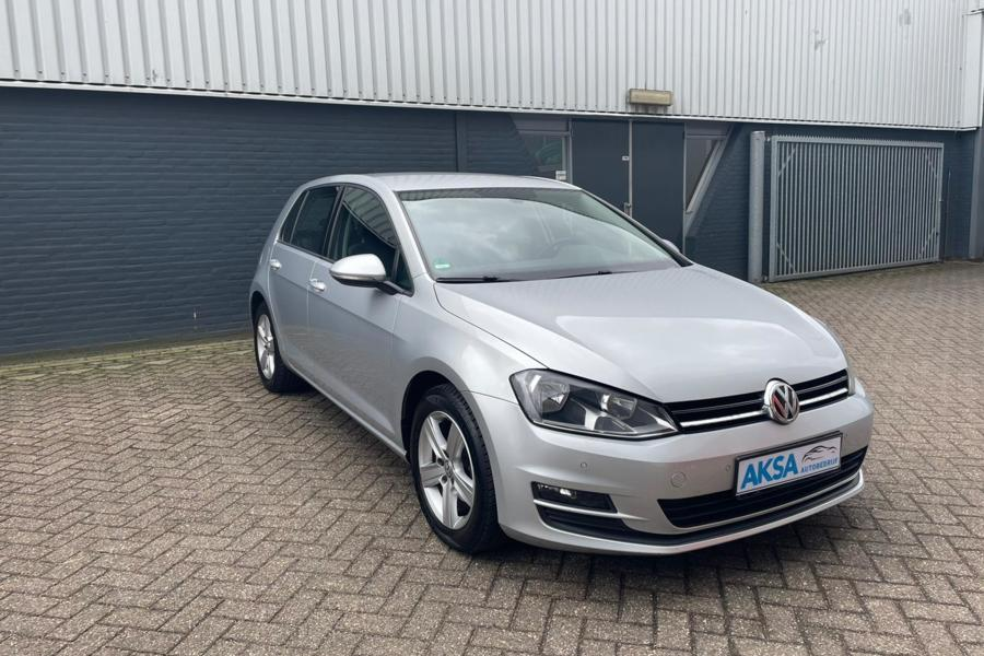 Volkswagen Golf 1.2 TSI | GTI Interieur | Grote navi | LED