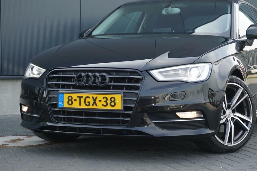 Audi A3  1.6 TDI ultra Edition XENON - 18 INCH LM - NAVIGATIE